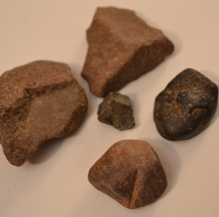images of staurolite crystal fragments showing the right angles and partial cross shapes